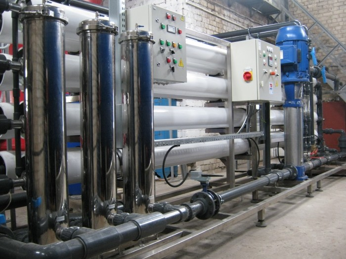 Reverse osmosis system, a capacity of 50 l / h to ∞