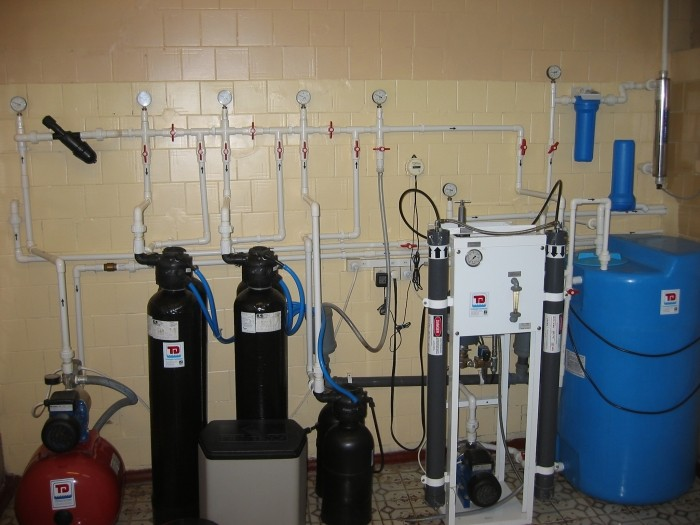 System of production, storage and distribution of purified water, Q = 180 l / h