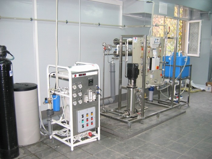 System of production, storage and distribution of purified water, Q = 240 l / h