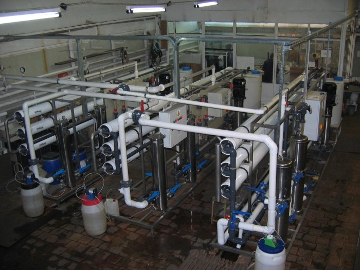 The system of obtaining desalted water for the production of solar cells, Q = 45 m3 / h