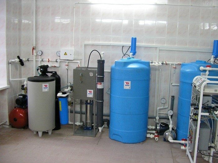 System of production, storage and distribution of purified water, Q = 200 l / h